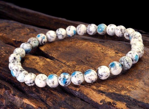 世界第2位であるK2のみで産出される石<br>ヒマラヤK2ブルー(グラナイトインアズライト)のブレスレット約6mm(31粒)<br>パキスタン・ギルギット・バルティスタン州