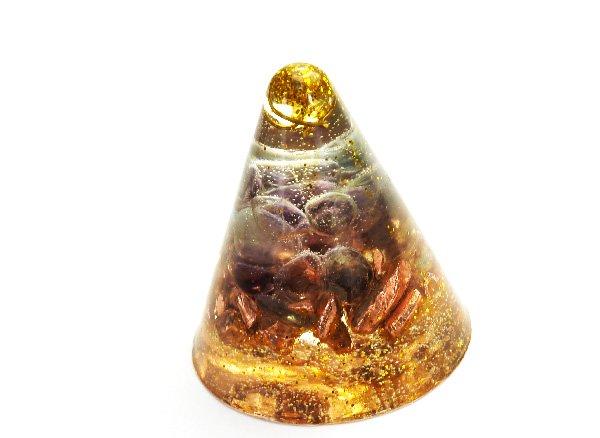 浄化アイテム<br>7 wishes のミニ・オルゴナイト・コーン型<br>バッキマーダイヤモンド・ヒマラヤ水晶・レインボーフローライト・純銅