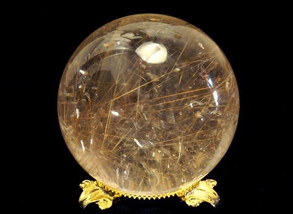 原石<br>ゴールデンルチルのスフィア(丸玉)直径約65mm<br>ブラジル・バイア州・ノーヴォオリゾンテ産
