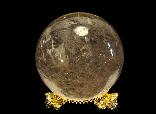 原石<br>ゴールデンルチルのスフィア(丸玉)直径約44mm<br>ブラジル・バイア州・ノーヴォオリゾンテ産