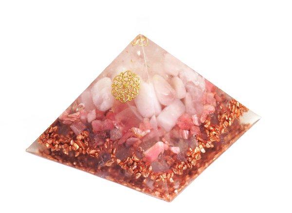 浄化アイテム<br>7 wishes のオルゴナイト・ピラミッド(Sサイズ)<br>ヒマラヤ水晶・ローズクォーツ・インカローズ・純銅