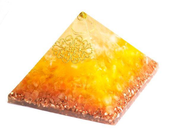 浄化アイテム<br>7 wishes のオルゴナイト・ピラミッド<br>ヒマラヤ水晶・シトリン・ヒマラヤ岩塩・純銅チップ