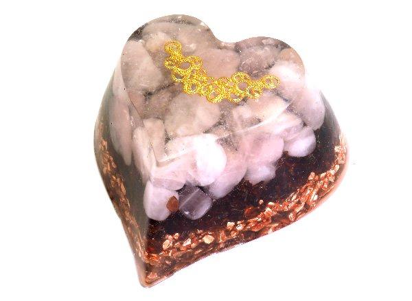 浄化アイテム<br>7 wishes のオルゴナイト・ハート型<br>ヒマラヤ水晶・ローズクォーツ・ガーネット・純銅