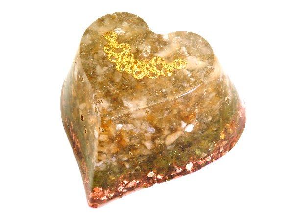 浄化アイテム<br>7 wishes のオルゴナイト・ハート型<br>ヒマラヤ水晶・ルチルクォーツ・シトリン・ペリドット・純銅