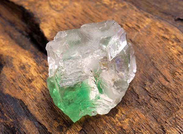 原石<br>エメラルドグリーンフローライトの結晶<br>コロンビア・ボヤカ産