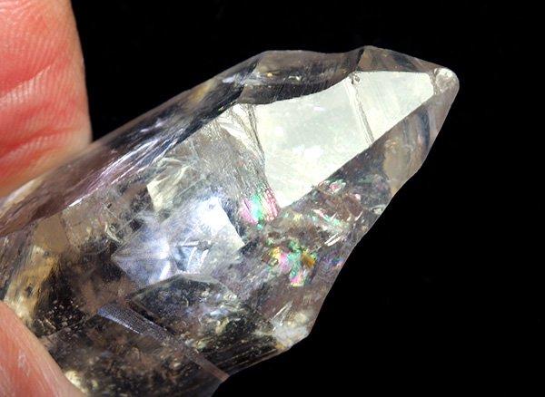 原石<BR>水入りレインボー水晶のポイント<BR>ブラジル・ミナスジェライス州