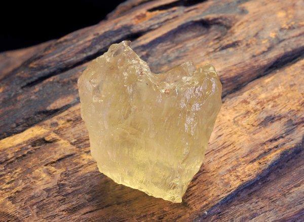 隕石原石<br>リビアングラスの原石<br>エジプト産