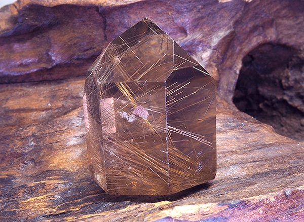 原石<br>スモーキールチルクォーツのポイント<br>ブラジル・ミナスジェライス州産
