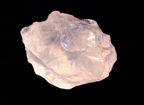 原石<br>とても可愛らしいピンクメタモルフォーゼス(メタモルフォーシス)の原石<br>ブラジル ミナスジェライス州 ムリアエ産