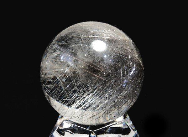 希少原石!!美しすぎる銀針!!<BR>シルバールチルのスフィア(丸玉)直径:約35mm<BR>ブラジル産