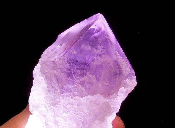 神秘的な美しさを持つ原石<br>幸せになるタイミングを教えてくれる!? アメジストアイスクォーツSA(アイスクリスタル=蝕像水晶=エッチドクォーツ)の原石<br>ブラジル・バイア州産