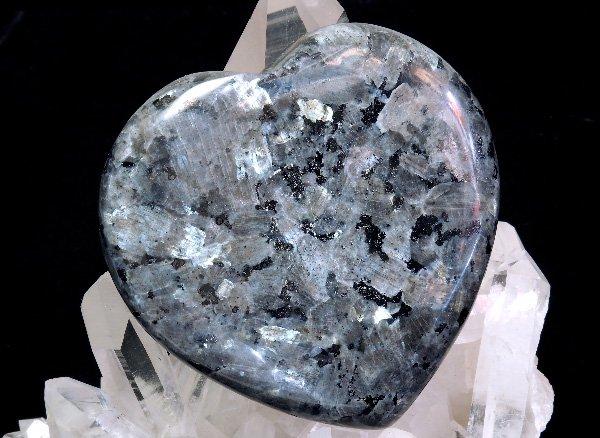 原石<br>ラルビカイトのハート<br>インド産