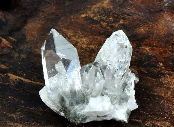 希少原石<br>ガネッシュヒマール ガーデンククォーツのミニクラスター<br>ネパール・ラパ産