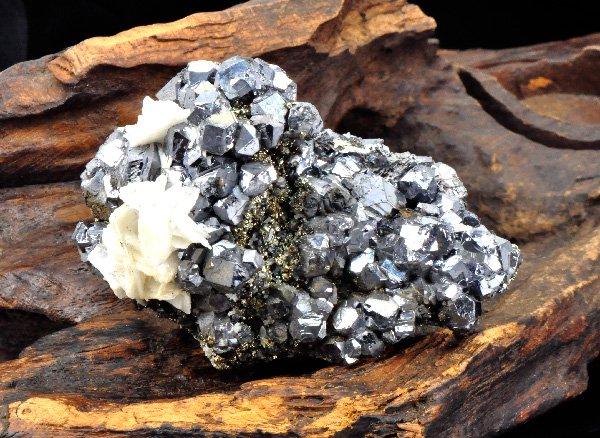 原石<br>ガレーナ(=ガレナ 方鉛鉱)&チャルコパイライト(黄鉄鉱)の結晶<br>ペルー・アンカッシュ州ボログネシ産