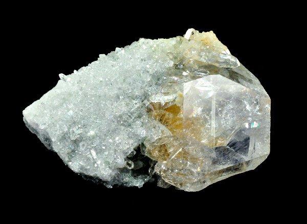 ★原石<br>ヒマラヤルチルガーデン水晶のポイント<br>インド・クル地区・マニハール産
