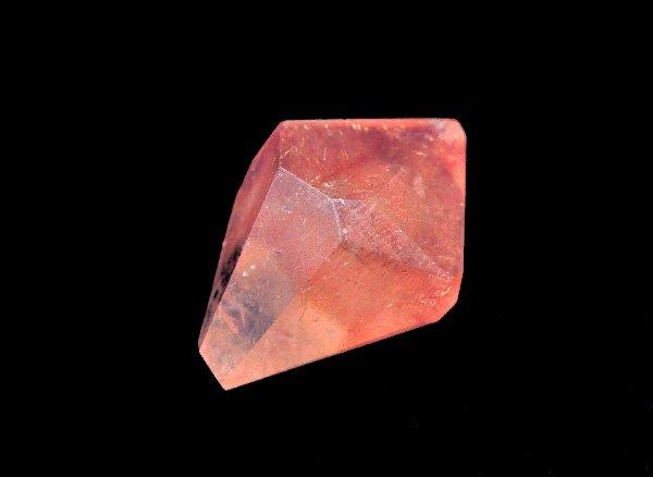 希少!!元祖イチゴのような原石<br>ストロベリークォーツSAのルース<br>カザフスタン産
