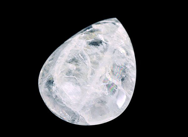 原石<br>天使の石ペタル石(ペタライト)のタンブル※虹入りです。<br>ブラジル・ミナスジェライス州アラスアイ産
