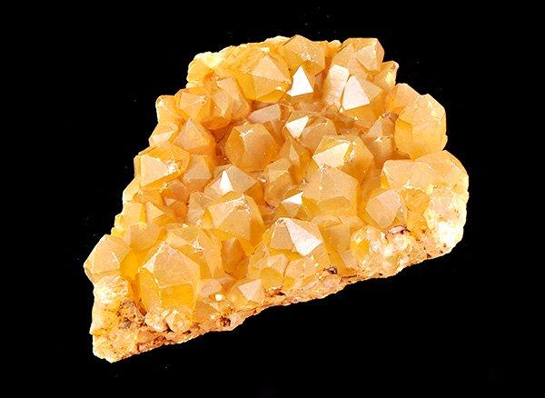 発掘されたばかりのゴールデンイエローの天然色!!<br>シトリンクラスター<BR>ザンビア産