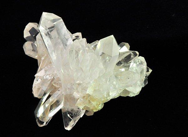 ★神秘的な自然のオブジェ!!<br>美しすぎるヒマラヤ水晶のクラスター<br>インド プラデーシュ州 クル地区 ガルサ渓谷 マニハール産