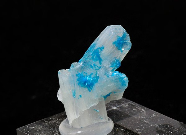 原石<br>カバンサイトオンクォーツ(ペンタゴナイト)の結晶体<br>インド・プーナ・ワゴリ村産