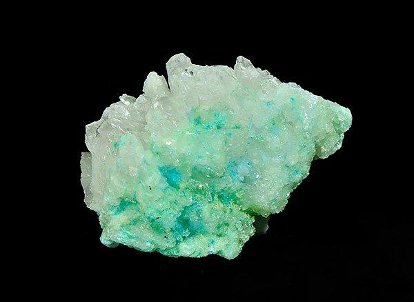 癒される色彩の原石です。<BR>美しすぎるツリー状グリーンカルサイト(ピスタチオカルサイト)の結晶<BR>メキシコ産