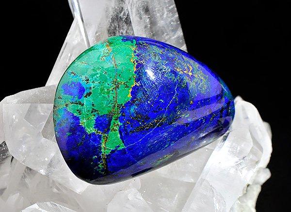 ★美しい原石<br>ブルーとグリーンのアートな色彩のアズロマラカイトのペブル<br>アルゼンチン産