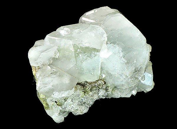 ★希少原石<br>ブルーダトーライト&アポフィライト&クォーツの結晶体<br>ロシア・ダルネゴルスク産