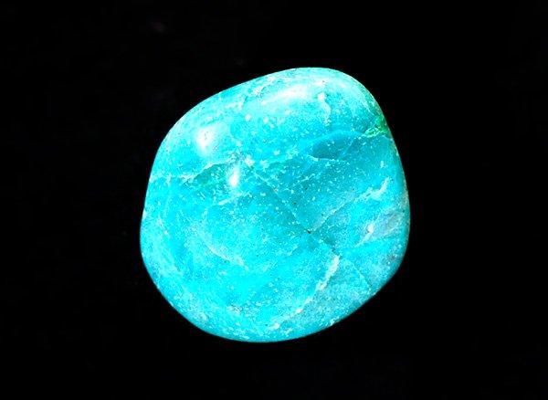 アースカラーの美しい原石<br>アフリカンクォンタムクワトロシリカのタンブル<br>ナミビア産