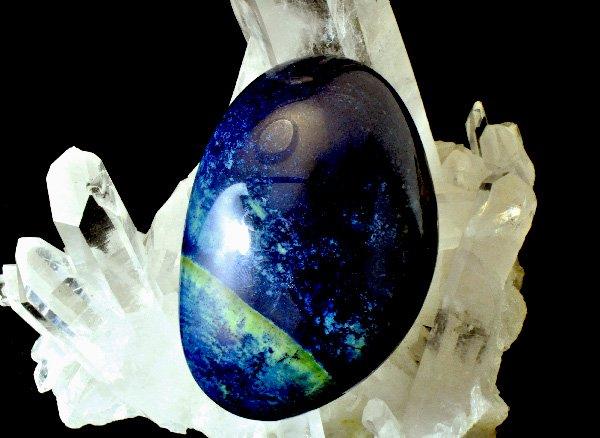 ★原石<BR>美しいダークブルーのヴィヴィアナイト(ビビアナイト)のペブル<BR>オーストラリア産