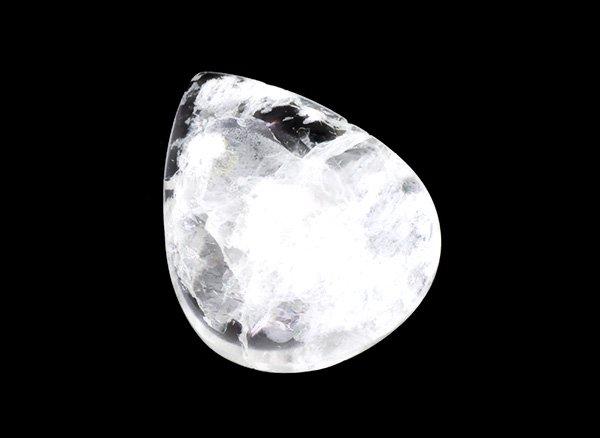 原石<br>天使の石ペタル石(ペタライト)のタンブルルース※虹入りです。<br>ブラジル・ミナスジェライス州アラスアイ産