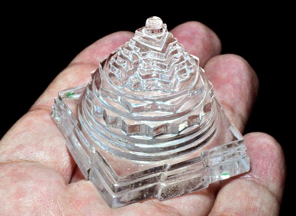 ★ヒマラヤ水晶でヒマラヤパワー充満にしよう!!<br>透明感のあるシュリヤントラの美しい水晶<br>インド ヒマチャル・プラデシュ州クル地区パールバティー産