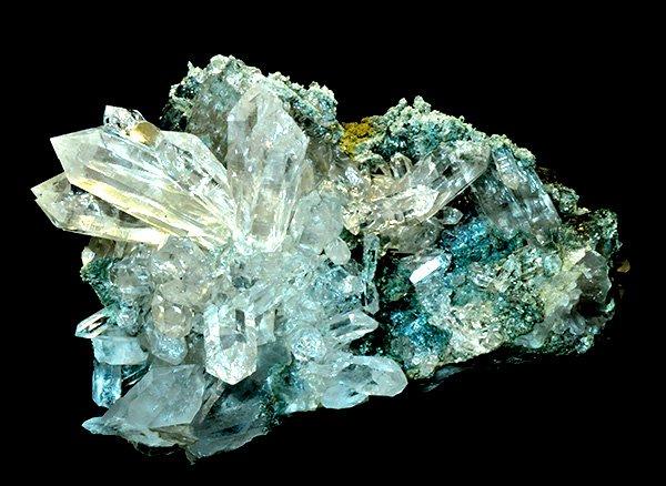 神秘的な自然のオブジェ!!<br>美しすぎるヒマラヤ水晶のフラワークラスター<br>インド プラデーシュ州 クル地区 ガルサ渓谷 マニハール産