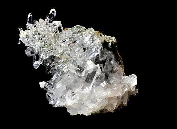 神秘的な自然のオブジェ!!<br>美しすぎるヒマラヤ水晶のクラスター<br>インド プラデーシュ州 クル地区 ガルサ渓谷 マニハール産