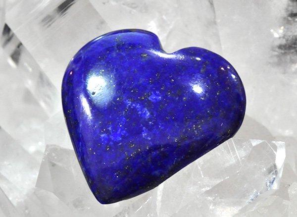 藍色の発色の良いラピスは希少です!!<BR>ラピスラズリ3Aのハート<br>アフガニスタン産