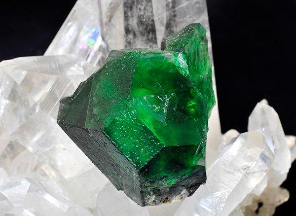 ★新たに発見された希少原石<br>グリーンフローライトの結晶<br>ナミビア・エロンゴ産