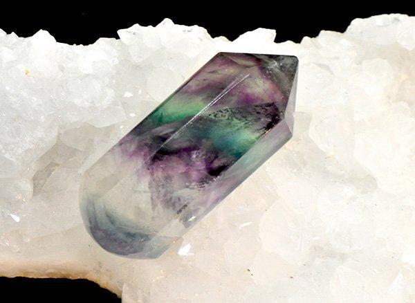 原石<br>美しすぎるレインボーフローライトのヒーリングワンド<br>中国産