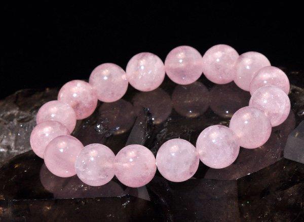 愛を引き寄せる石<br>モルガナイト5A(ピンクアクアマリン)約12mm(16粒)のブレスレット <br>ブラジル産