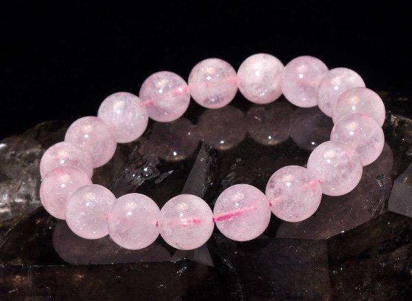 愛を引き寄せる石<br>モルガナイト5A(ピンクアクアマリン)約12mm(17粒)のブレスレット <br>ブラジル産