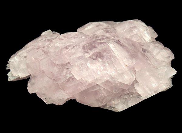 コレクターアイテム級<BR>クンツァイトと見間違えてしまうようなピンクマンガンカルサイトの結晶原石<BR>ロシア・ダルネゴルスク産
