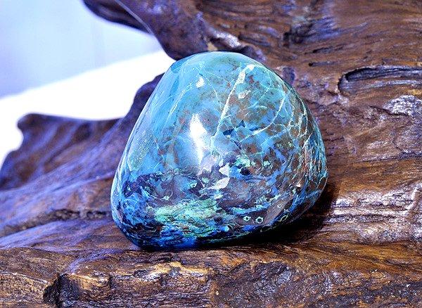 原石<br>シャッタカイトクリソコラ・タンブル<br>アリゾナ州シャタック鉱山