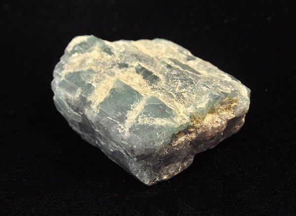 原石<br>パライバ・トルマリンの原石<br>ブラジル・リオ・グランデ・ド・ノルテ州のパレーリャス・キントス鉱山産