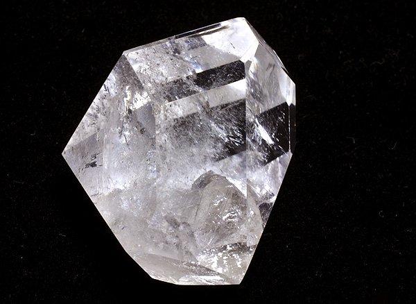 原石<br>クォーツ・イン・クォーツのポイント(貫入水晶)<BR>ブラジル・ミナスジェライス州・トマス・ゴンサガ産