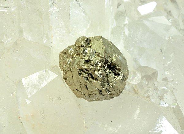 原石<br>パイライトの結晶(黄鉄鉱)<br>中国四川省産