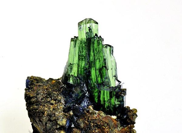 原石<BR>ヴィヴィアナイト(ビビアナイト)の結晶<BR>ボリビア・ポトシ・ワヌニ鉱山産