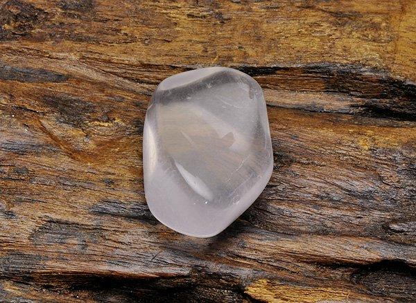 原石<BR>ピンク ジラソルのタンブル<BR>マダガスカル産